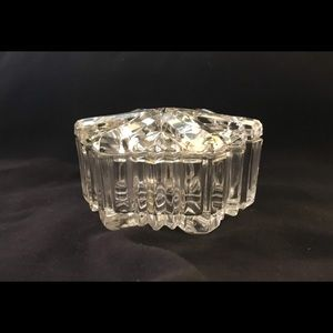 Crystal dish with lid